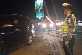 Arus lalu lintas di simpang Mengkreng saat malam takbiran lancar