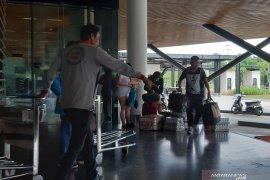 Aktivitas mudik Lebaran pekerja migran Sambas melalui pintu PLBN Aruk