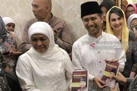 Gubernur-Wagub Jatim Shalat Idul Fitri di Masjid Al Akbar, Surabaya