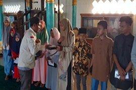 Medco E&P Malaka isi Ramadhan dengan menyantuni 410 anak yatim