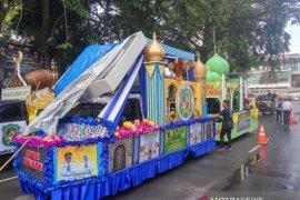 Pawai mobil hias meriahkan takbiran di Medan