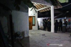 Densus 88 geledah rumah pelaku bom bunuh diri di Kartasura