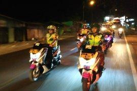 Polisi Sumedang amankan pemeras bersenjata dan minuman keras