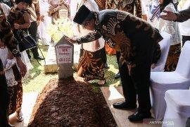Keluarga SBY tahlilan tujuh hari wafat  Ani Yudhoyono