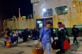 Jumlah pemudik di Pelabuhan Pangkalbalam capai 6.330 orang