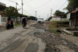 Masyarakat keluhkan kerusakan ruas jalan Rambung Merah Simalungun