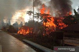 Pemerintah kompensasi rumah terbakar akibat bentrok di Buton