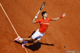 Djokovic atasi Zverev untuk tiket semifinal French