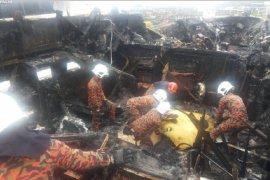 Kapal mewah terbakar satu  WNI meninggal di Langkawi