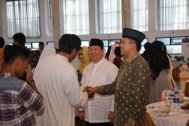Pj. Gubernur Lampung Boytenjuri Menggelar Open House di Mahan Agung