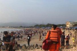 Basarnas Jabar terjunkan tim antisipasi kecelakaan laut bagi wisatawan