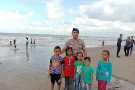 Wisata pantai di Tanbu sepi diguyur hujan