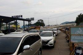 Kemacetan luar biasa di pintu masuk Pelabuhan Bakauheni