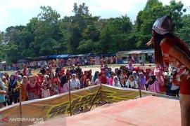 Ribuan warga padati Danau Nibung Mukomuko