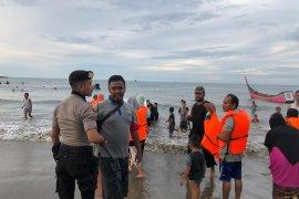 Libur Lebaran polisi patroli tempat wisata di  Lhokseumawe