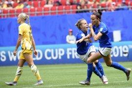 Dua gol Bonansea antar Italia  menang tipis 2-1 atas Australia