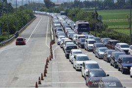 Polda catat kendaraan arus mudik keluar Jatim turun 15,16 persen
