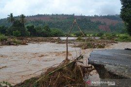 Alat berat dikerahkan atasi dampak banjir di Morowali