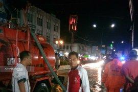 Dipimpin Sekda, sejumlah instansi tinjau banjir dipusat kota Panyabungan