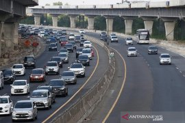 Jalan tol Jakarta-Cikampek terapkan lawan arah mulai Km 65