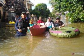 Pecinta lingkungan Samarinda distribusikan 1.500 nasi bungkus