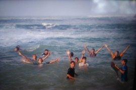 Pencarian korban tenggelam di Pantai Pangi terkendala gelombang tinggi