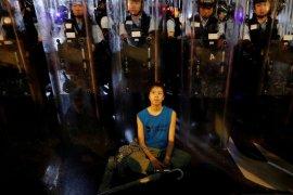 Melihat penampakan People Power di Hongkong Page 7 Small