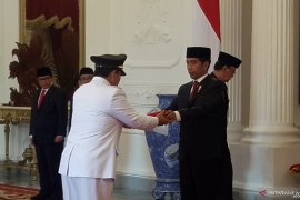 Joko Widodo inducts Djunaidi as Lampung Governor, Chalim as Deputy Governor