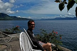 Wisatawan Yogyakarta kagumi Samosir Danau Toba