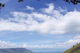 Menggali keindahan alam Pulau Samosir lewat Horas Samosir Fiesta