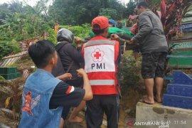 PMI distribusikan 4000 liter air bersih untuk korban banjir Samarinda