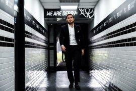 Ferdinand:  Lampard cocok jadi manajer Chelsea