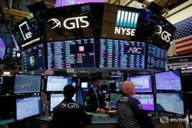 Wall Street ditutup naik ditopang kenaikan saham Apple