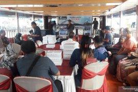 Gunakan Kapal Wisata Mahakam, DPMPD Silaturahmin dan Halal Bi Halal