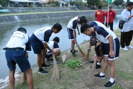 Pemkot Denpasar lakukan aksi bersih-bersih peringati Hari Lingkungan Hidup se-Dunia