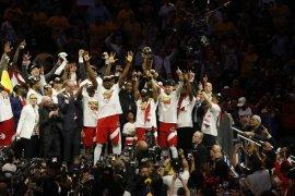 Raptors menangi gim keenam untuk  amankan gelar juara NBA