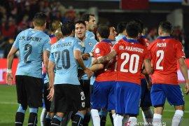 Mimpi juara tri-runtun Chile dan trofi ke-16 Uruguay