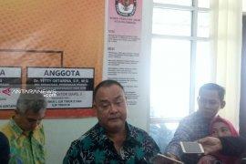 Lima tersangka komisioner KPU Palembang mengikuti proses hukum