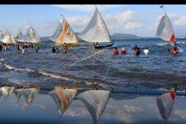 Lomba perahu layar untuk pariwisata