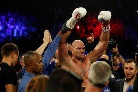 Tyson Fury kalahkan Otto Wallin di WBC Las Vegas