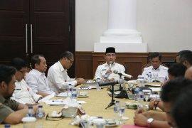 Andika minta Pemkot Serang dan OPD tertibkan Banten Lama