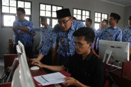 Hari pertama PPDB 2019 di Banten berjalan lancar