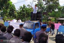 Mutasi Pemkot Bengkulu diduga cacat hukum
