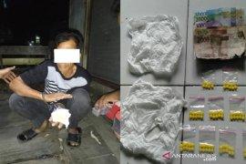 Tim Lukah Polsek Daha Selatan amankan pengedar dextro