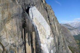 Bocah perempuan Amerika Serikat taklukkan tebing granit El Capitan