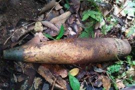 Warga Desa Entikong temukan amunisi meriam sisa konfrontasi RI-Malaysia