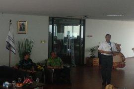 Menteri Luhut sebut inefisiensi  penyebab tiket pesawat mahal