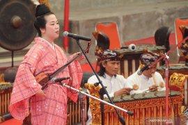 Kolaborasi Seni Bali - Jepang Page 2 Small