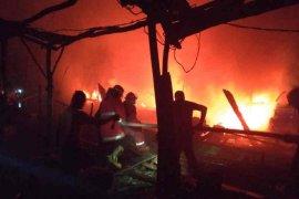 15 perahu nelayan Indramayu  terbakar
