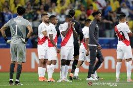 Pelatih tak nyaman,  nasib Peru di tangan tim lain